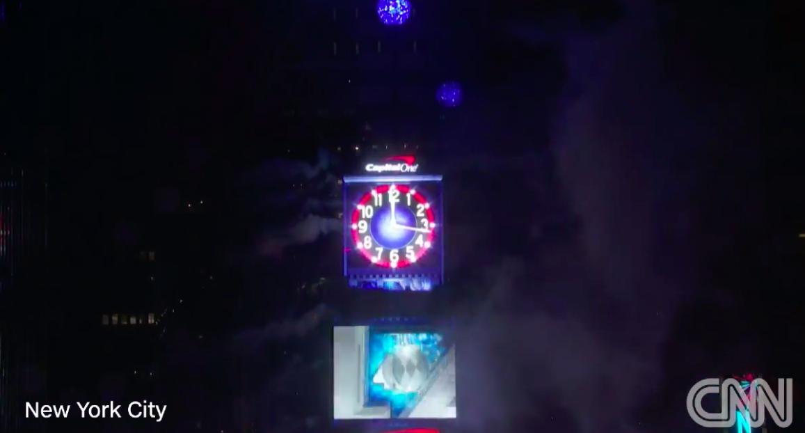 紐約時報廣場的水晶球倒數儀式。取自facebook