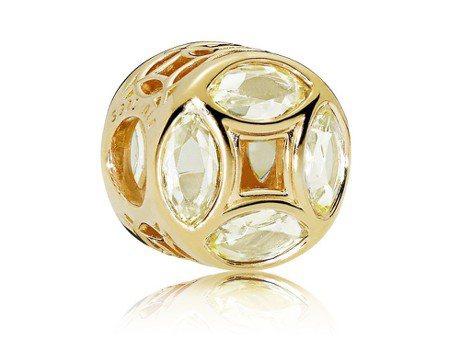 PANDORA Shine 幸運錢幣鍍18K金串飾,4,280元。圖/PANDO...