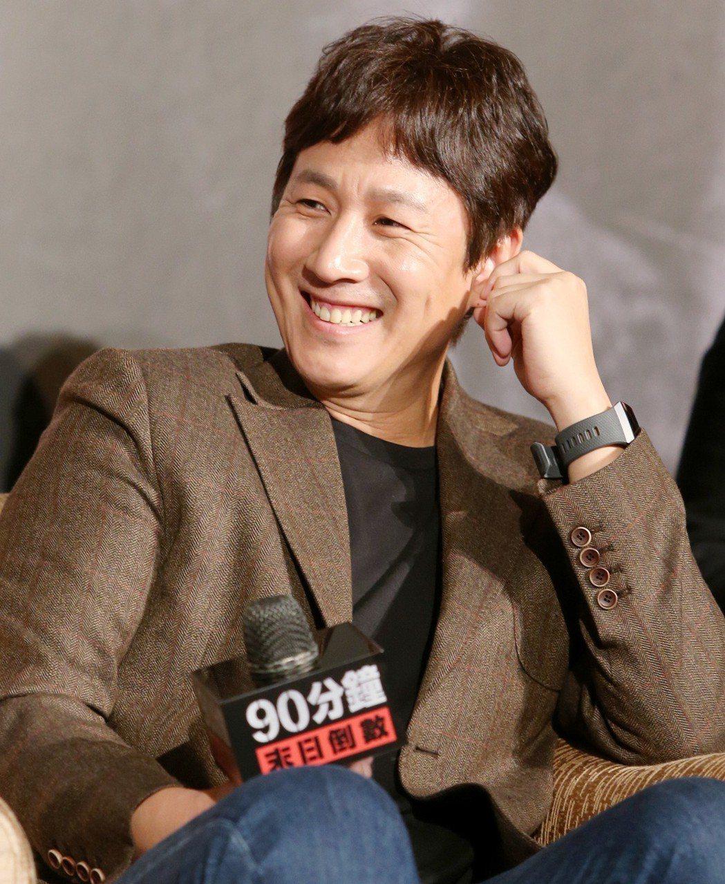 韓星李善均出席「90分鐘末日倒數」新戲宣傳記者會。記者侯永全/攝影