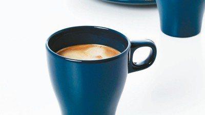 FÄRGRIK馬克杯一個只要15元,是通化店全店最低價的商品。 IKEA/提供