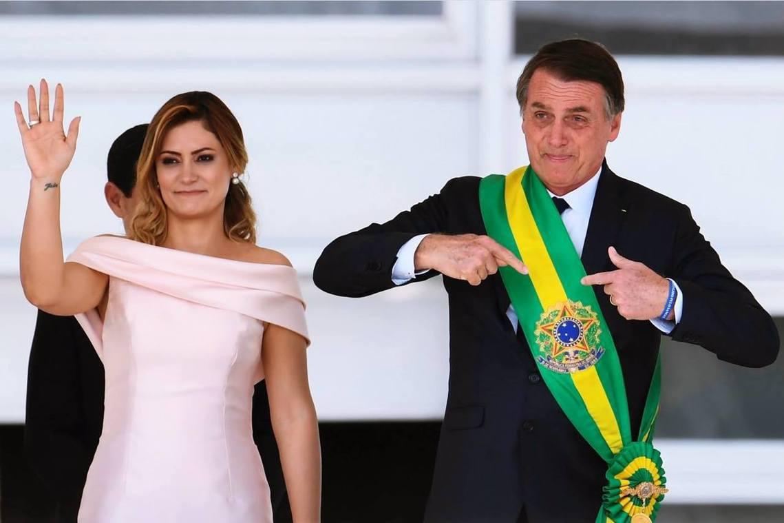 「從今天起,全新的巴西,將從社會主義、錯亂的價值觀、臃腫的巨怪政府、以及政治正確...