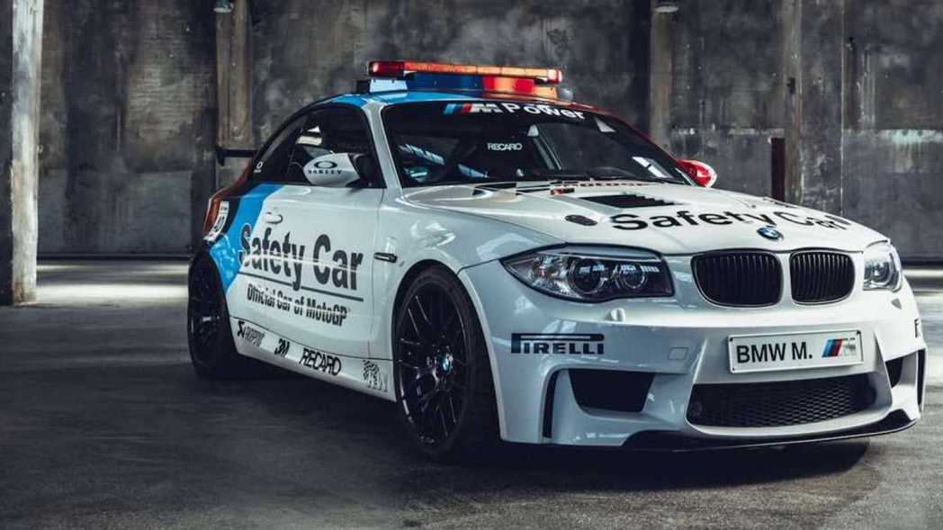 BMW 1M Coupe Safety Car。 摘自BMW
