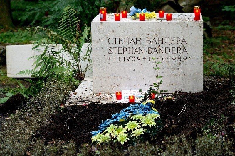 成長於一個激情的戰亂年代,班德拉的童年到成年親歷奧匈帝國、波蘭、納粹德國與蘇聯的統治。圖為班德拉之墓。 圖/歐新社