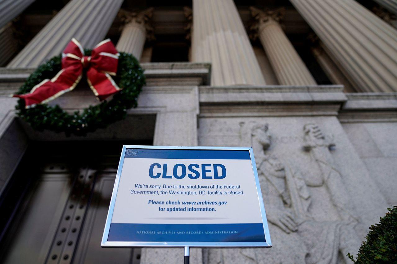 美國聯邦政府部分停擺至跨年。路透