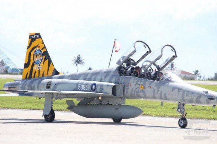 我國現役F-5E/F戰機目前集中於台東737聯隊,先前已有大批同型機陸續除役,但...