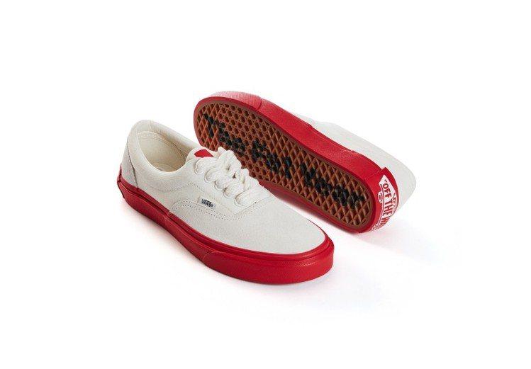 Vans新年系列Era休閒鞋,2,180元。圖/Vans提供