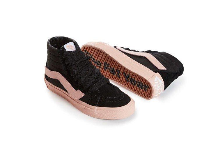 Vans新年系列SK8-Hi Reissue鞋,2,980元。圖/Vans提供