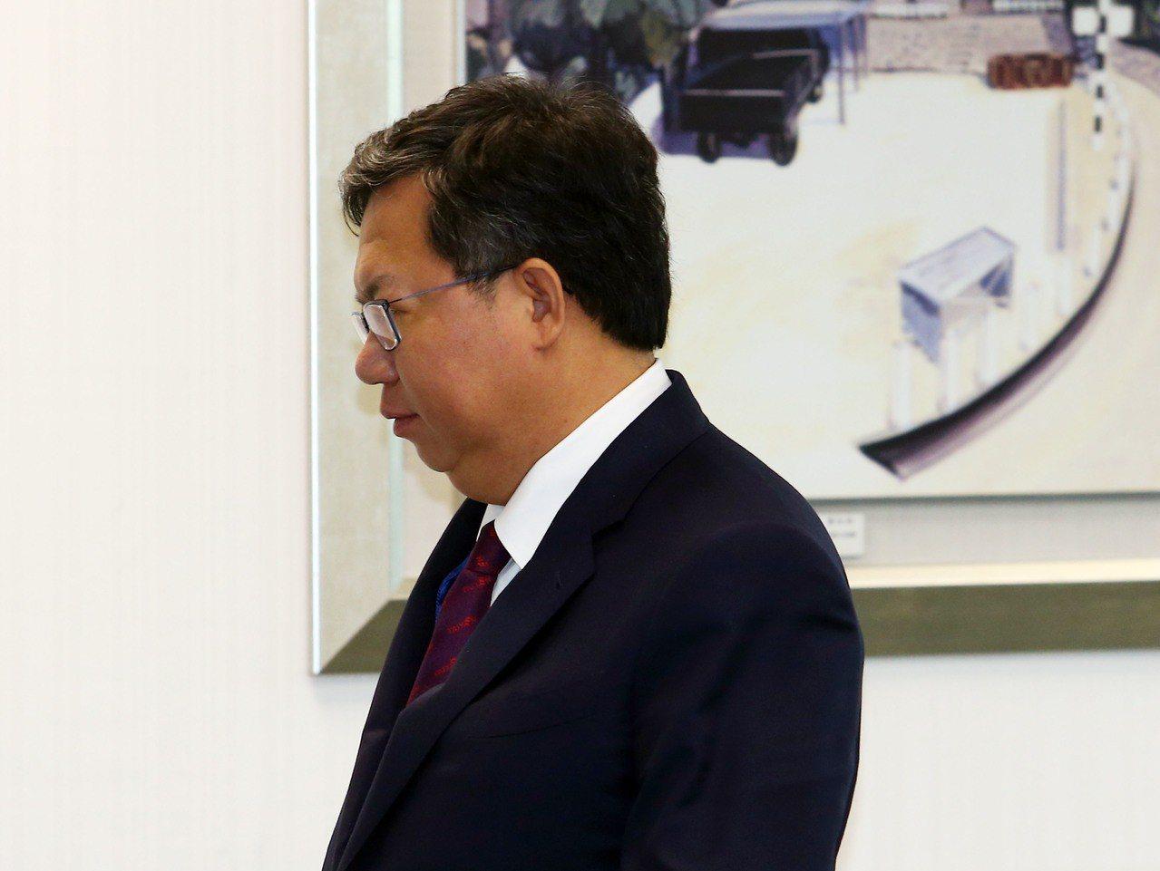 桃園市長鄭文燦今天出席民進黨中執會。記者杜建重/攝影