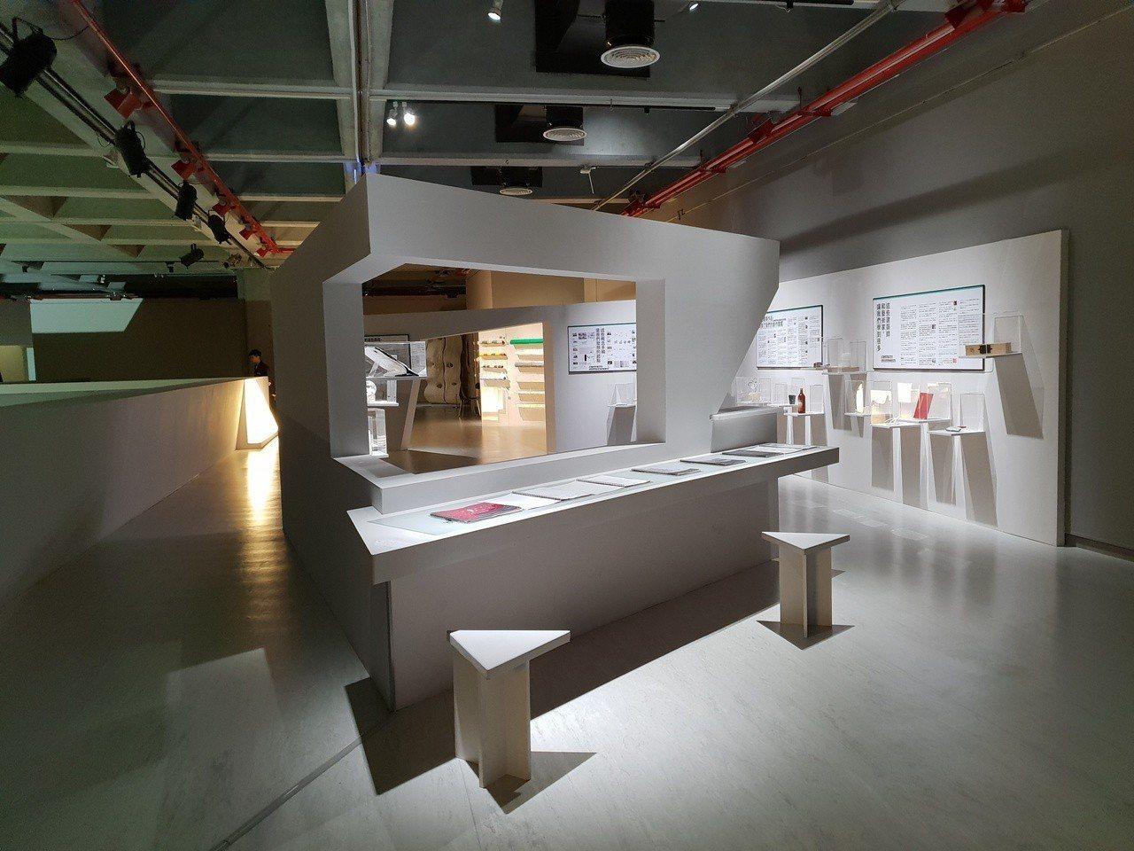 北美館宣告2019年第6屆X-site計畫從缺。圖為北美館內展出歷年參選X-si...