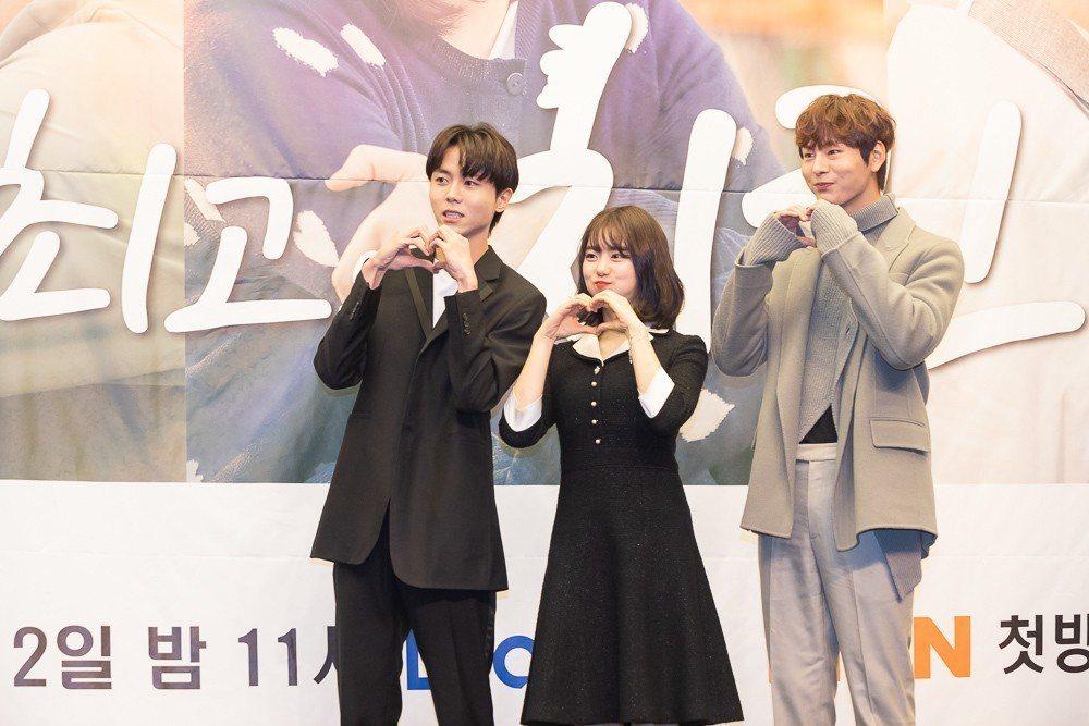 朱宇宰(左起)、金素慧、朴宣浩聯手詮釋青春偶像劇。圖/KKTV提供