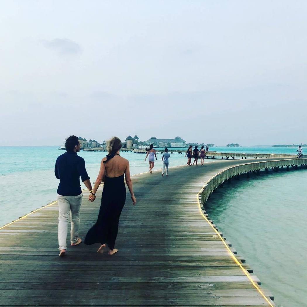 葛妮絲派楚和老公、小孩、前夫及其女友,一起到馬爾地夫度過跨年假期。圖/摘自Ins