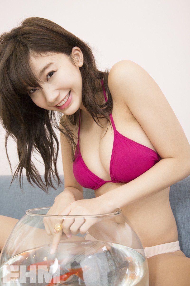 小倉優香擁有G級棉花糖美乳。圖/FHM Taiwan提供