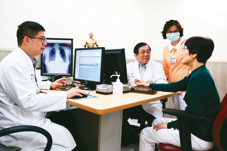 馬偕醫院成立癌症中西醫整合門診,期帶給癌症患者更全面性醫療。 圖/馬偕醫院提供