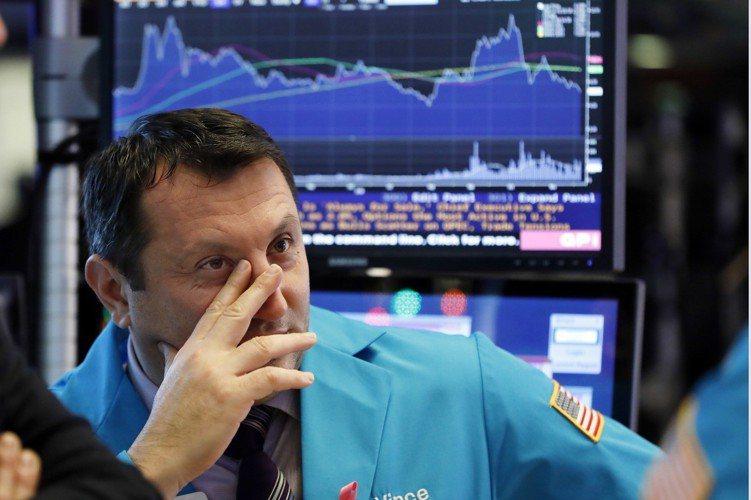 美股去年十二月走勢暴起暴落,衝擊全球投資信心,讓二O一八年最後一周的耶誕與元旦行...