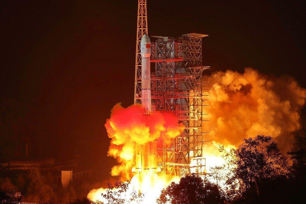 中國大陸嫦娥4號預計於3日登陸月球背面。 (美聯社)