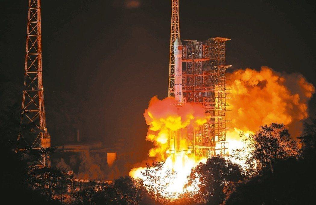 圖為嫦娥四號成功發射照。 (中新社)
