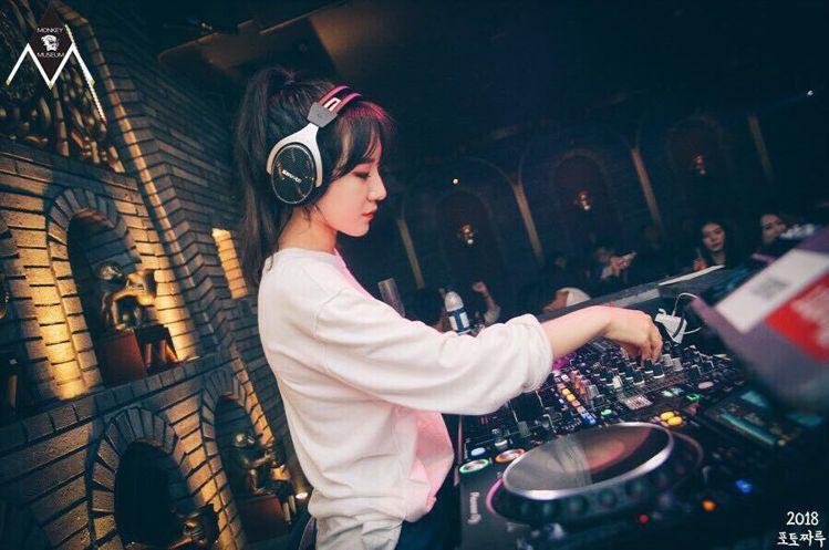 勝利的妹妹是DJ。圖/擷自instagram