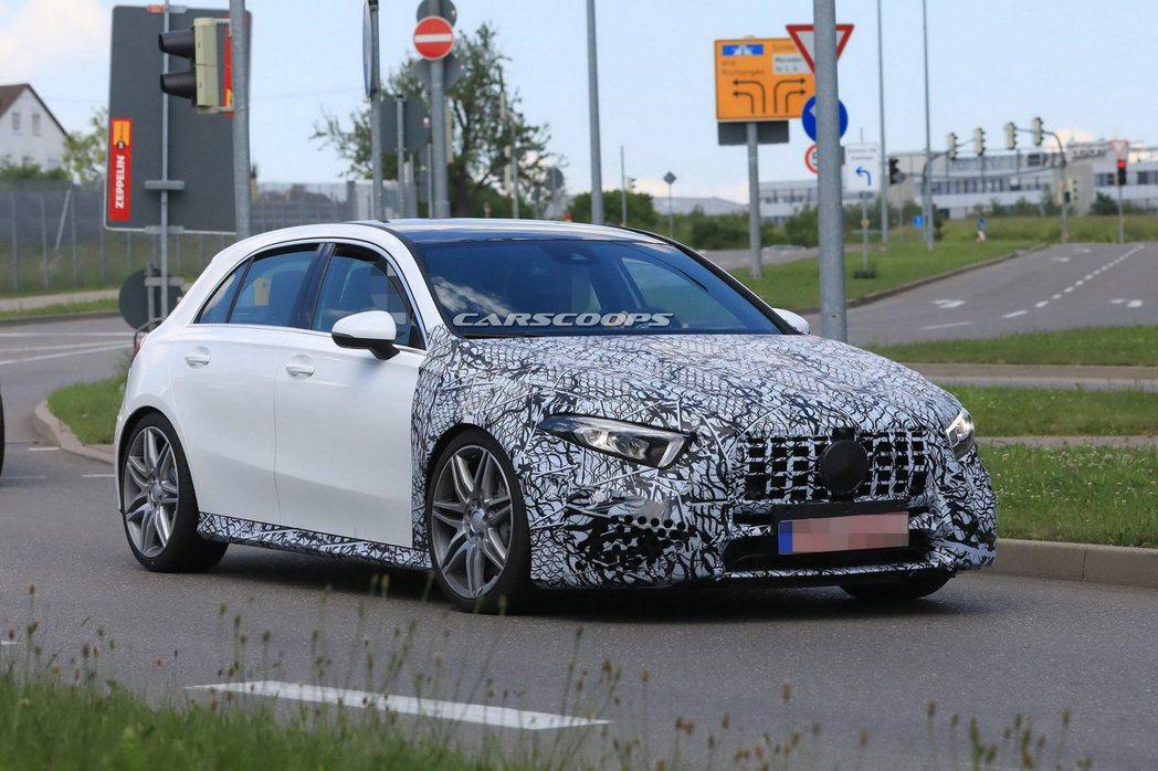 雖然尚未正式發表,但全新Mercedes-AMG A 45的動力規格早已傳出將突...
