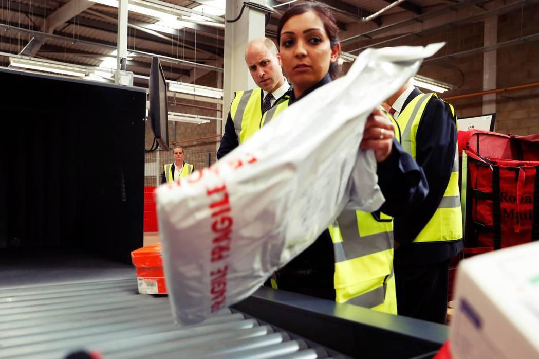 有鑑於大型包裹投遞需要簽收,萬一錯過還得安排重新遞送或領取,還容易搞丟等網購商品...