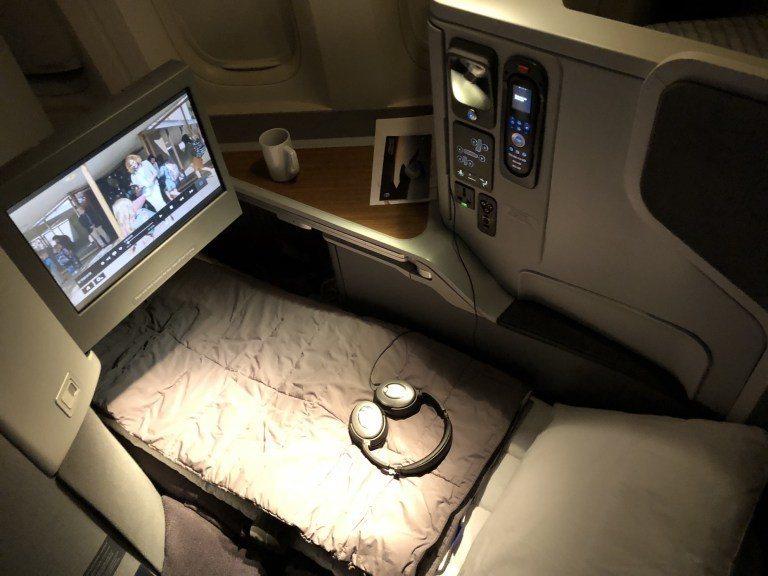 美國航空Boeing 777-300ER機型商務艙 圖文來自於:TripPlus