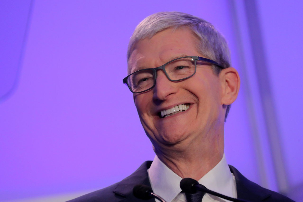蘋果公司執行長庫克表示,他並不擔心到中國出差,不理外界對中國可能因為華為財務長孟...