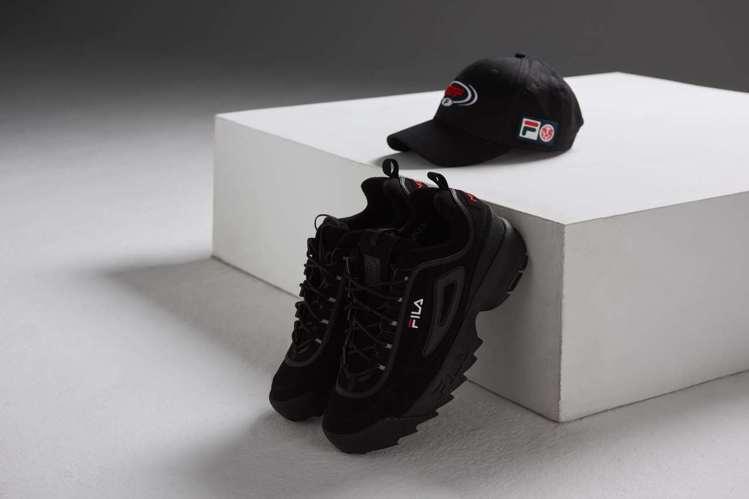 MJFRESH與Fila聯名系列帽子1,280元、鋸齒鞋2,980元。圖/Fil...
