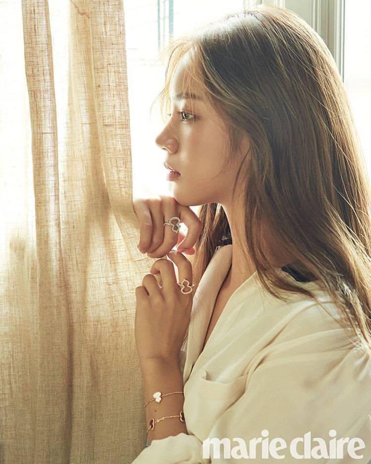 韓星李惠利前陣子配戴Qeelin的Wulu系列珠寶登上韓國時尚雜誌封面。圖/取自...
