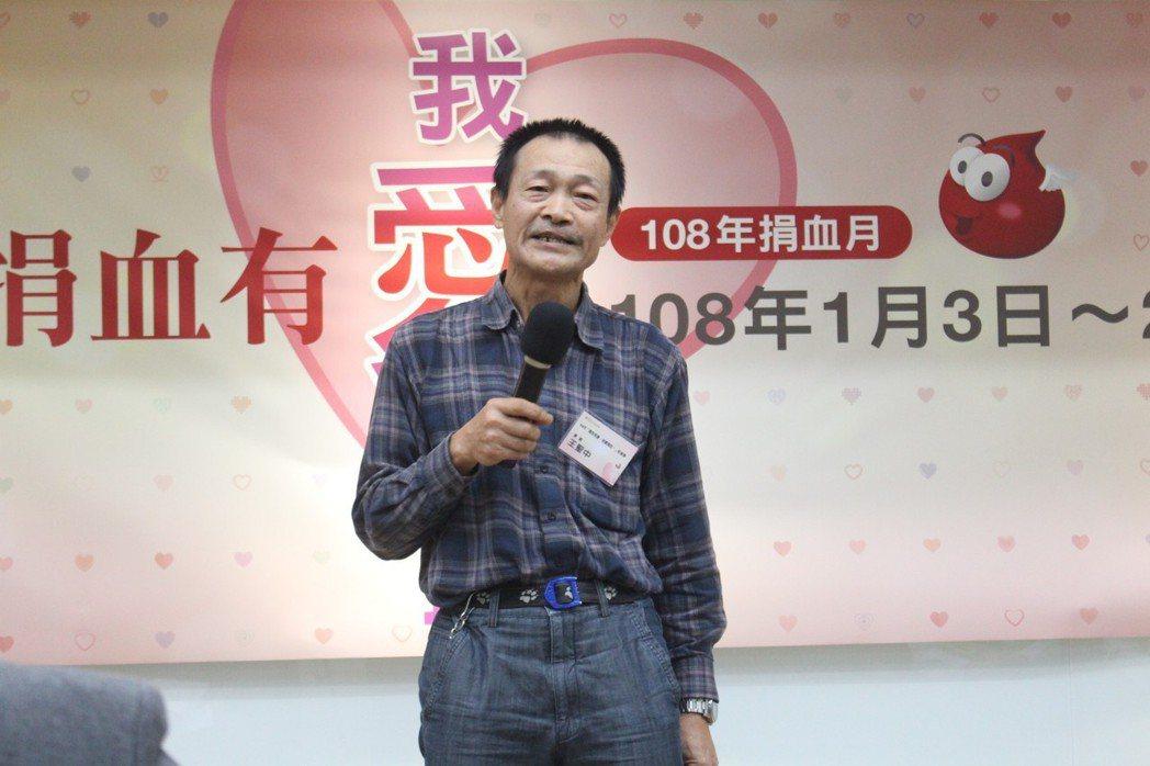 今年67歲的王聖中(圖),為了替早已不再世的血癌兒子,感謝社會上幫助過他的人,至...