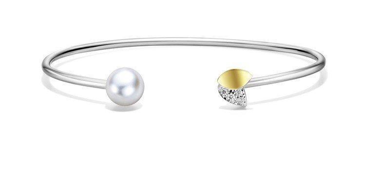 林志玲配戴的M/G TASAKI FLORET鑽石珍珠手環,93,000元。圖/...
