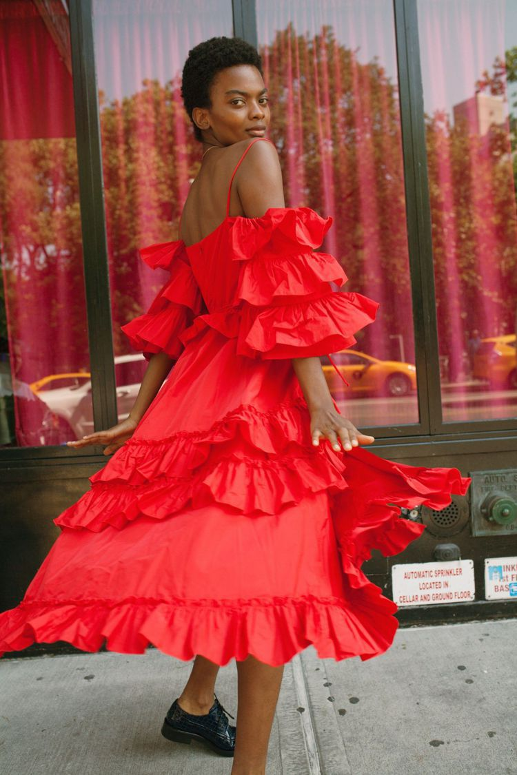 英國時尚達人Alexa Chung的同名品牌ALEXACHUNG,今年早春展現A...