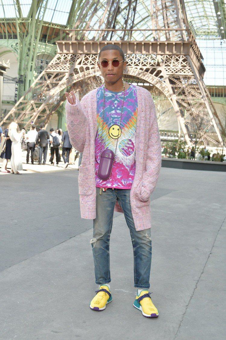 人稱「菲董」的美國男歌手菲瑞威廉斯是時尚品牌香奈兒大使,幾度為品牌化身模特兒走上...