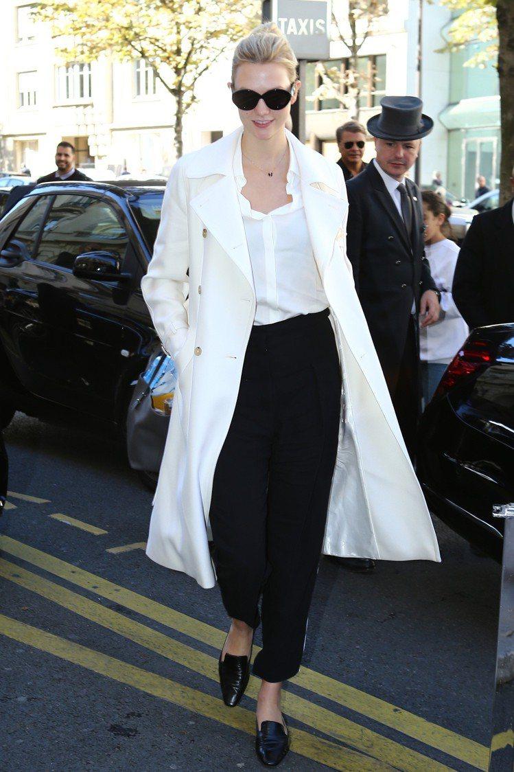 超模卡莉克勞斯以Max Mara 2019早春系列展現知性女人味。圖/Max M...