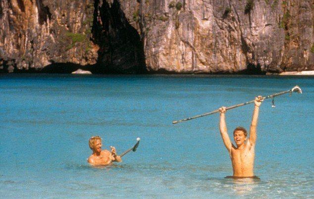 李奧納多狄卡皮歐(右)快20年前就到普吉島拍「海灘」。圖/摘自wordpress