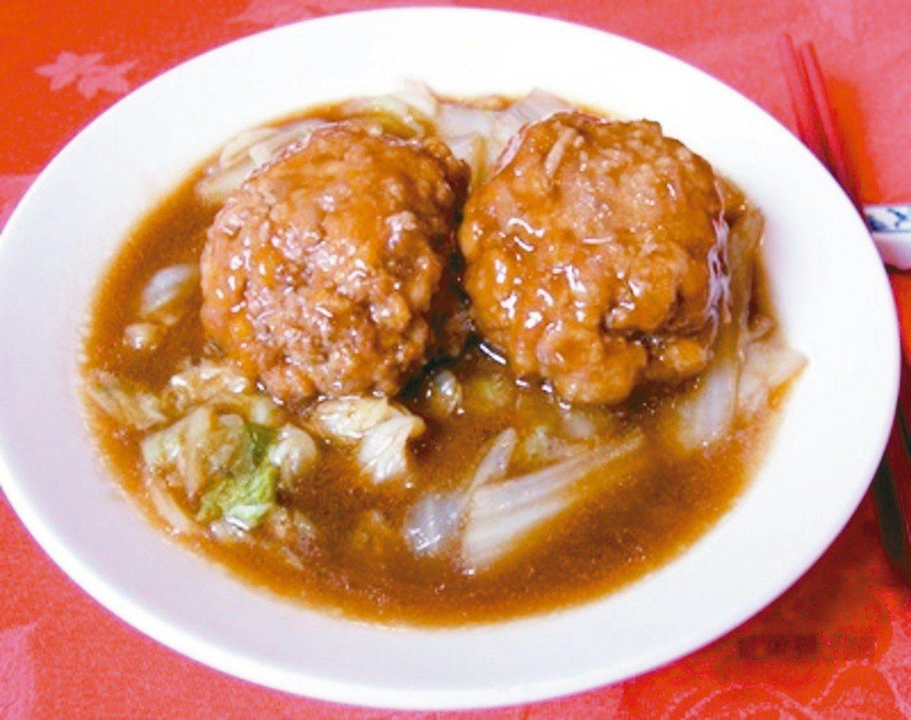 銀翼淮揚獅子頭(不含白菜),350元。 圖/遠百提供