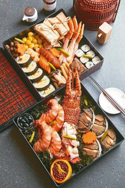 西華KOUMA日本料理小馬主廚江鎮佑親手設計,以日本新年享用的「御節」(Osec...