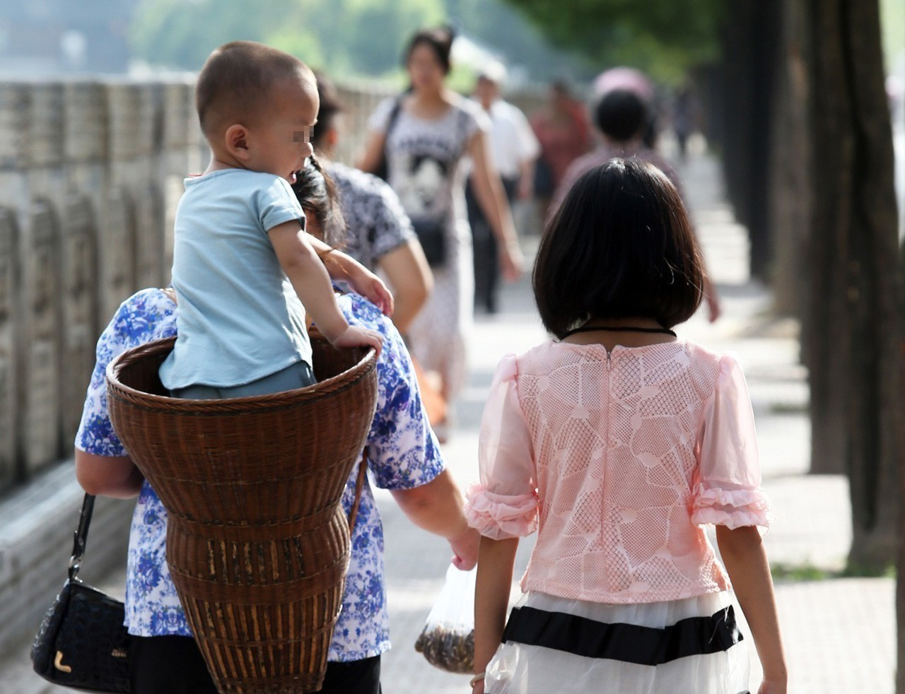 情境示意圖。家扶基金會指出,隔代教養家庭與十年前相比成長超過一倍。 聯合報系資料...