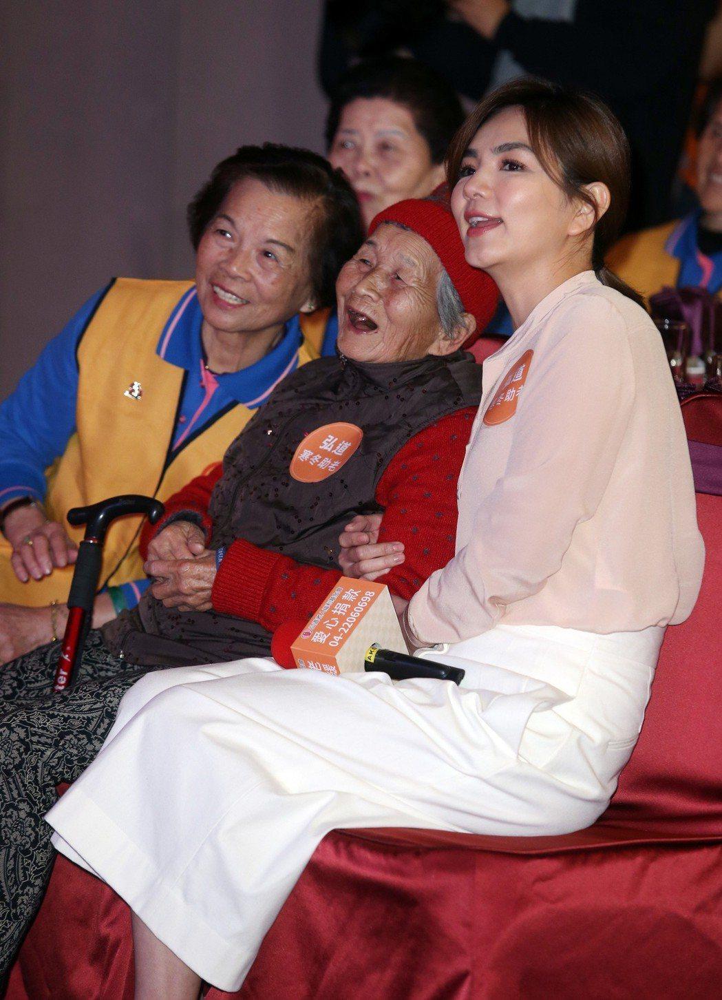 Ella陳嘉樺寒冬助老公益影片首播,響應2019年第一件好事。記者曾吉松/攝影
