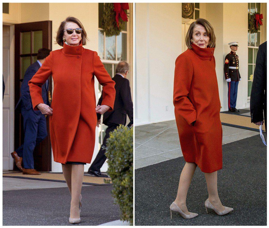 波洛西去年12月在白宮西廂外穿著紅大衣,穿著裸膚色細跟高跟鞋,完全不顯老。 (美...