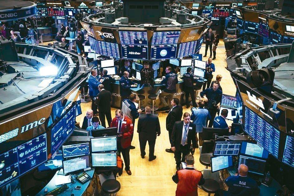 券商調降美股年終目標。 法新社