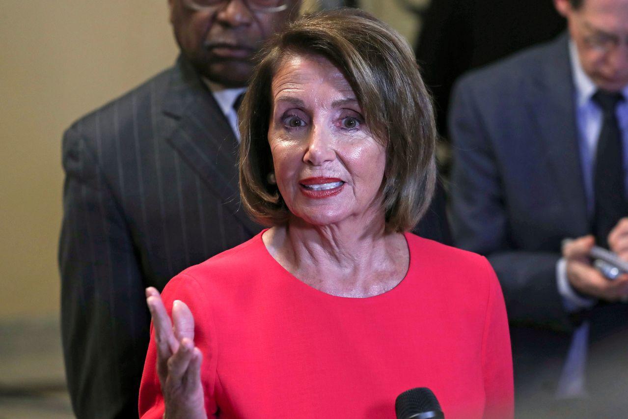 聯邦眾議院議長裴洛西(Nancy Pelosi)說:「川普總統必須停止將美國人民...