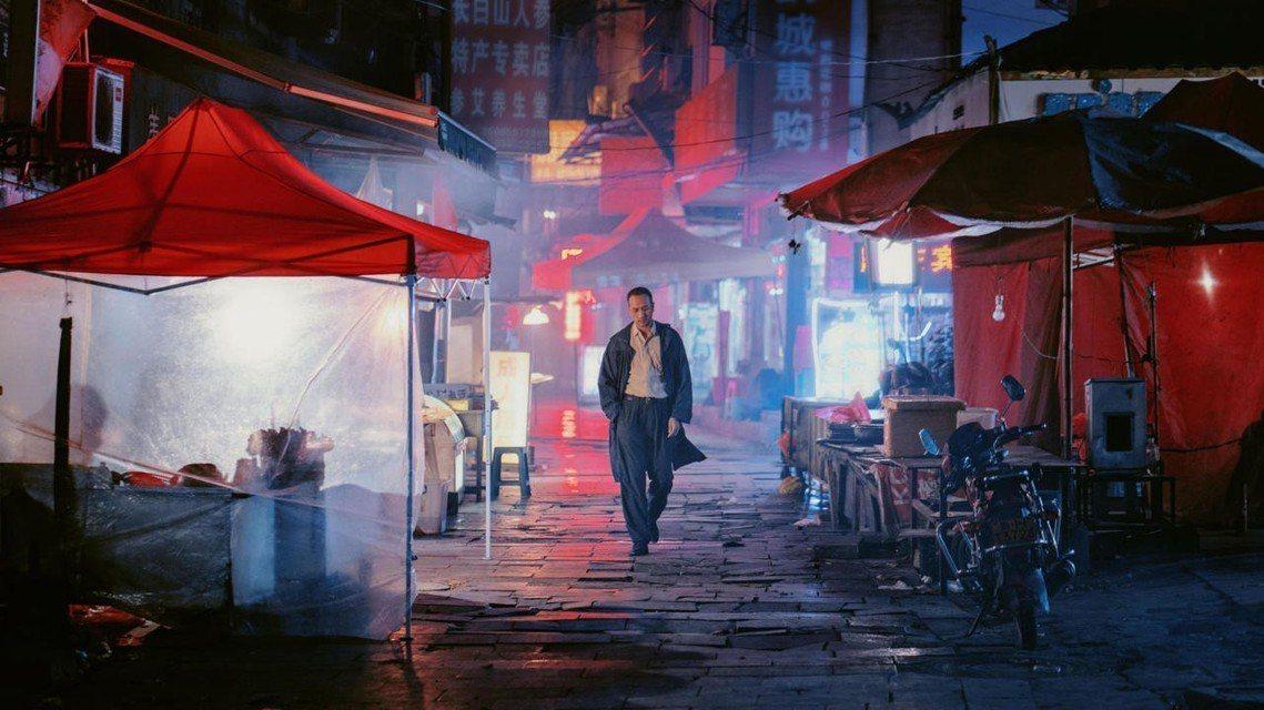 中國電影《地球最後的夜晚》上映首日即開出2.6億人民幣(約新台幣11.7億)、堪...
