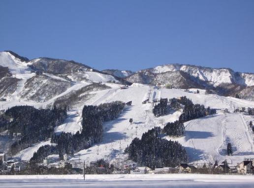 石內丸山滑雪場。 圖/tcn.kuroon.com