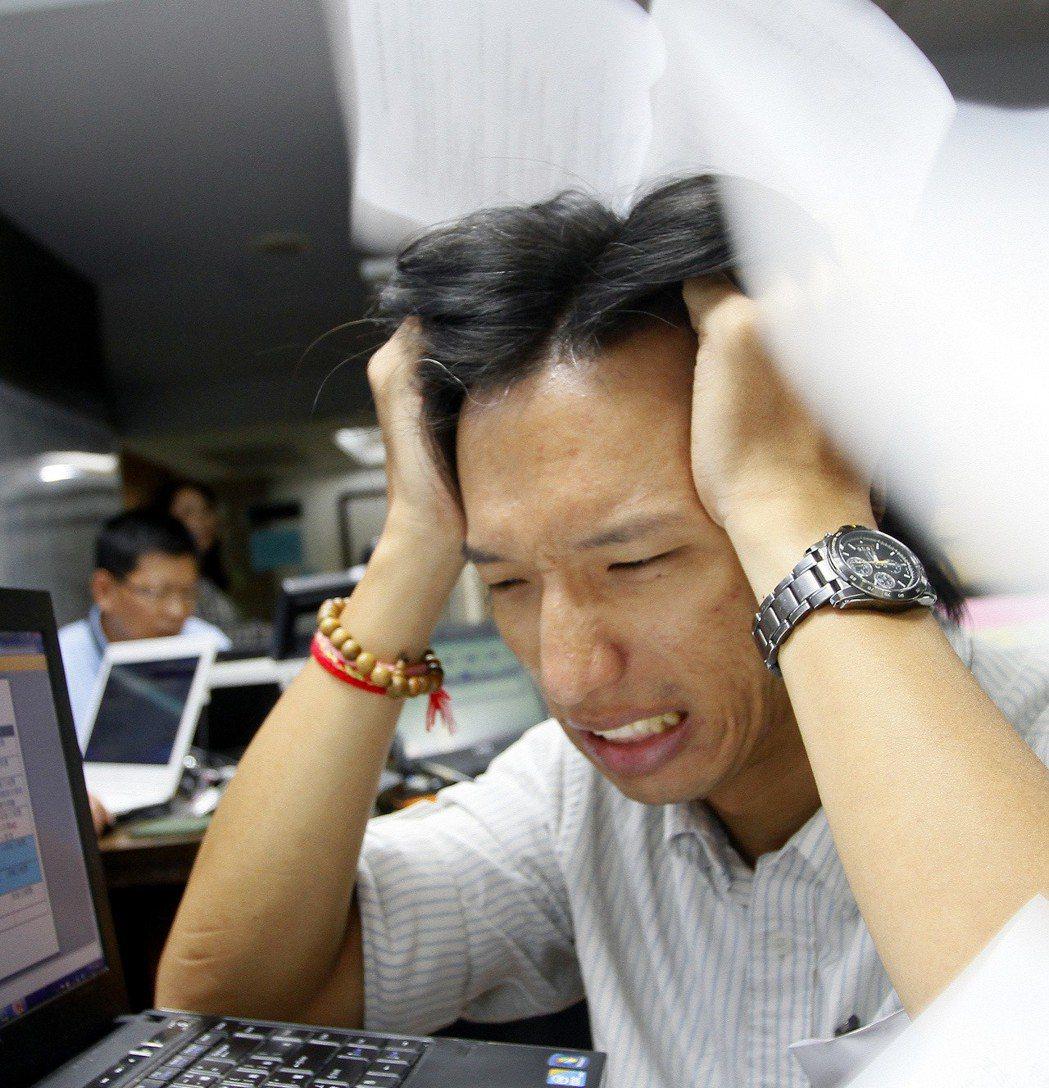 研究顯示,20歲幾、30幾歲的職場新鮮人、職涯剛要起飛的族群,常見的失眠原因是工...