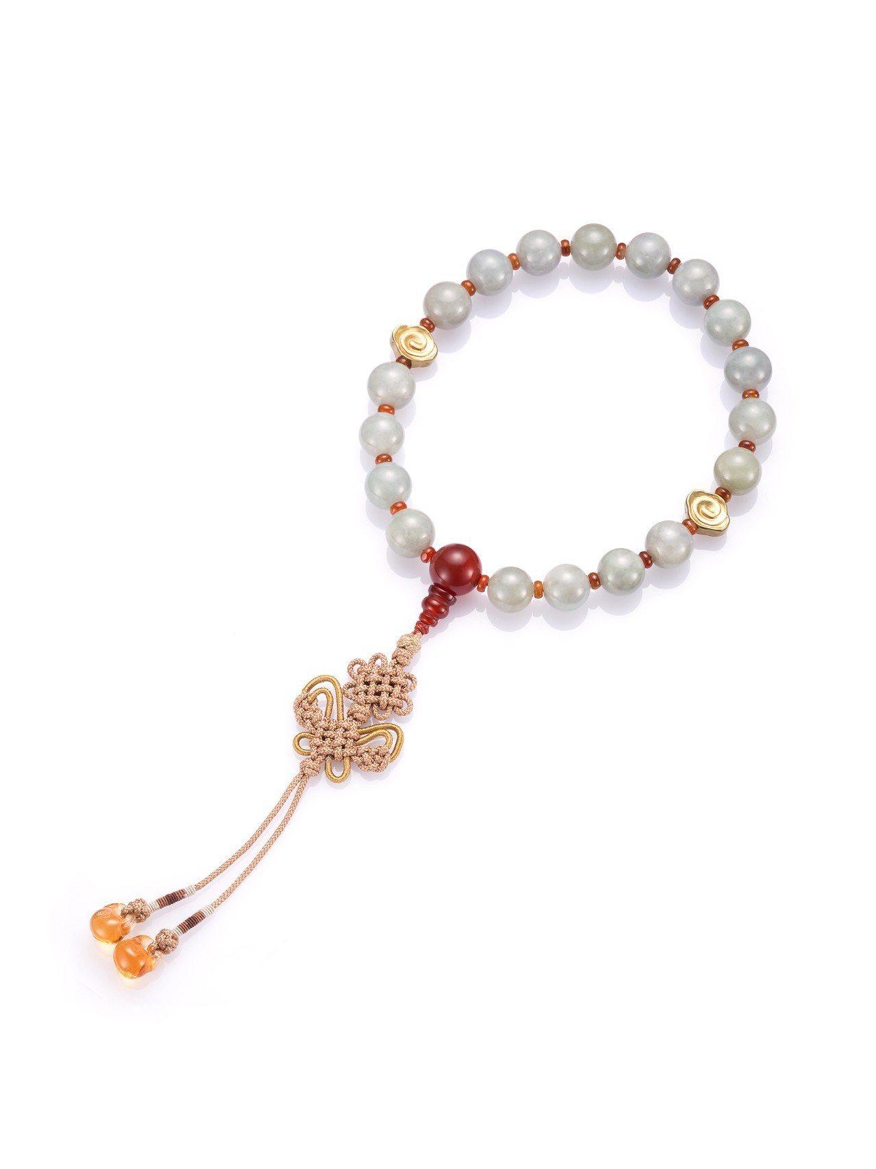 玉世家翡翠圓珠手串,搭配瑪瑙與黃晶,82,000元。圖/玉世家提供