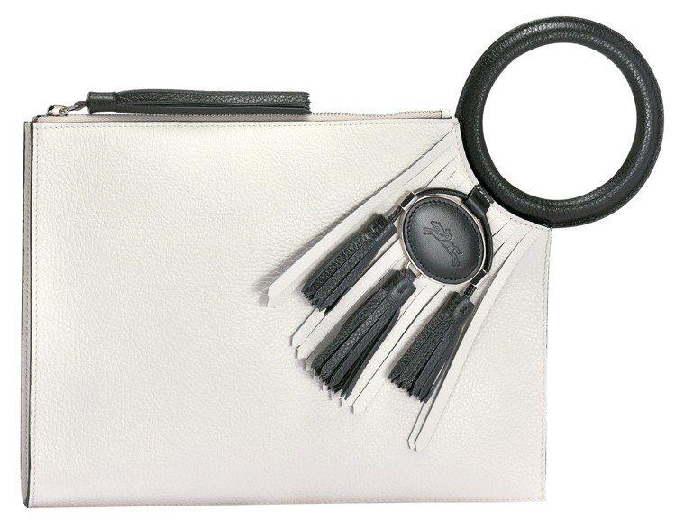 Linstinct Longchamp象牙白手拿包,售價19,000元。圖/LO...