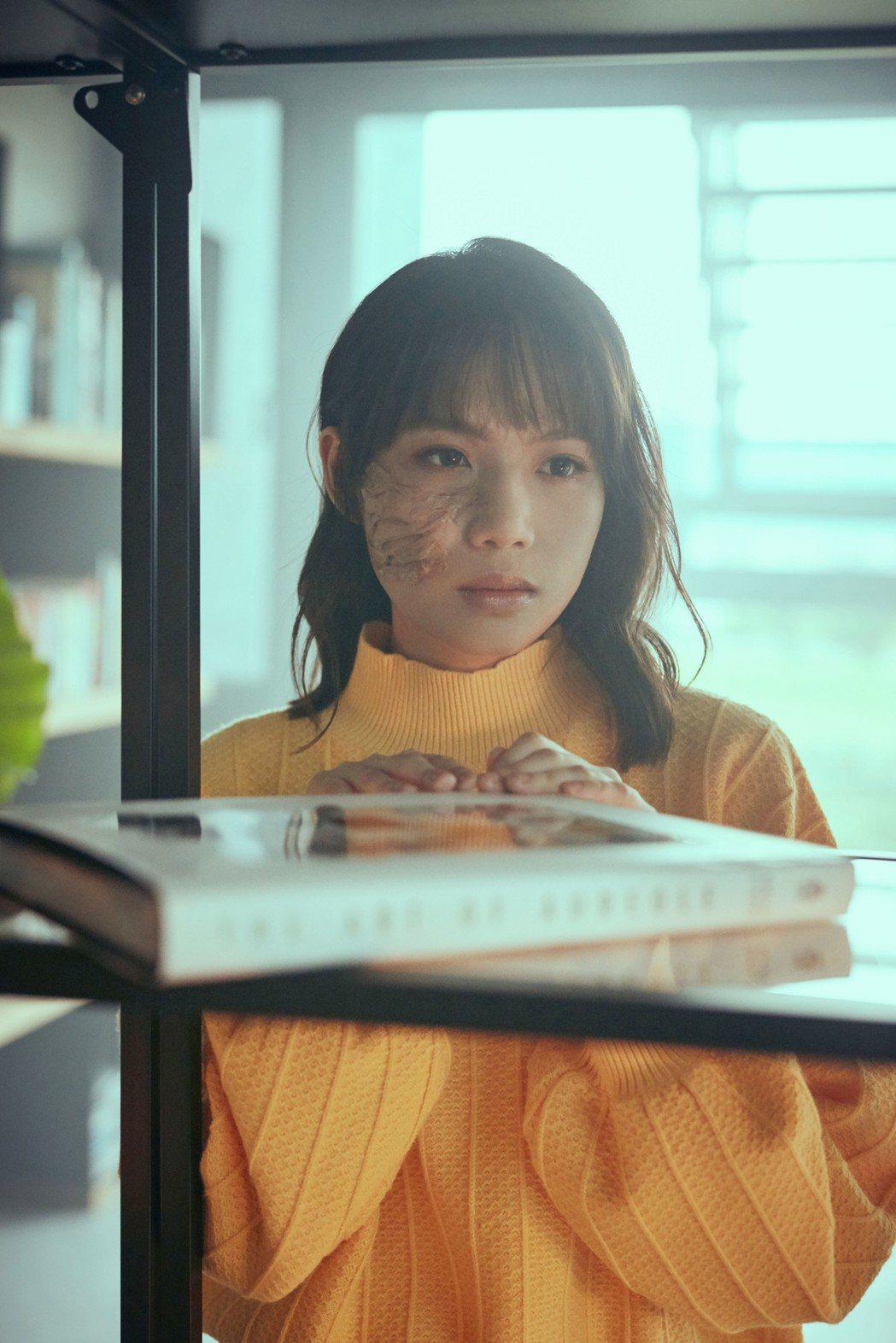 文慧如「只有眼淚」MV。圖/華研國際提供