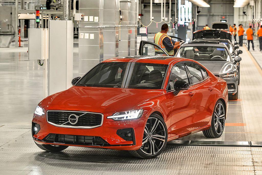 全新第二代60車系(包括S60、V60),2018年末起已開始少量交付。 圖/V...