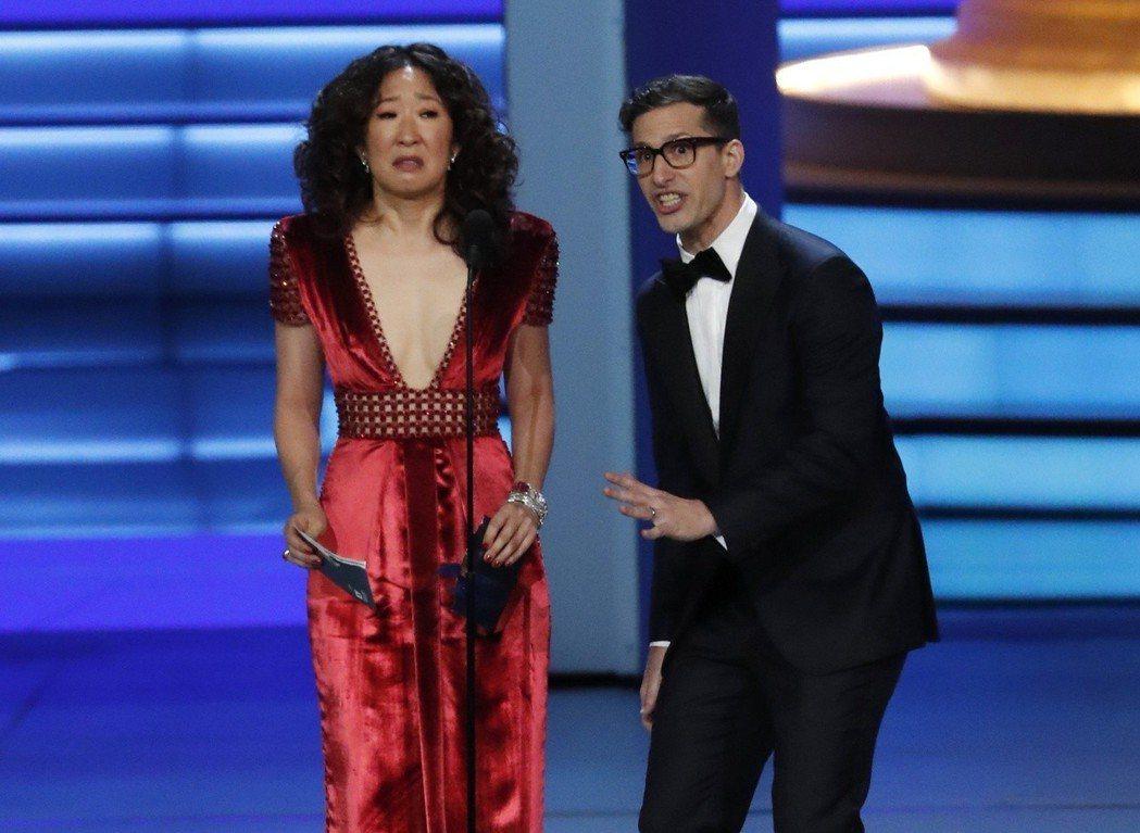 吳珊卓與安迪山柏格聯手主持今年金球獎頒獎典禮,台灣沒有頻道轉播,只能看網路直播。