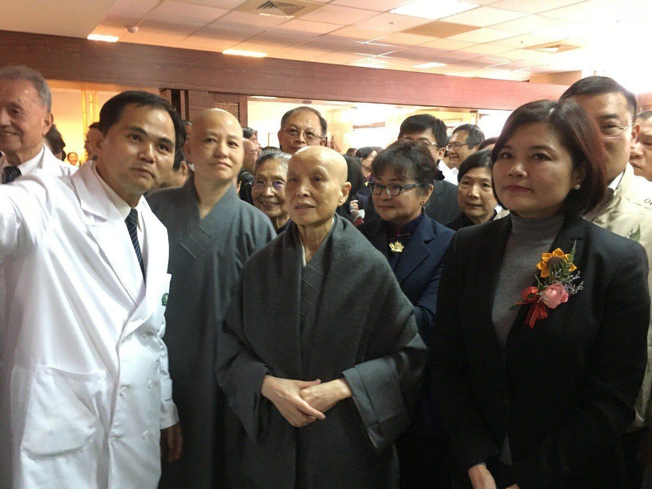 佛教慈濟醫院雲林斗六門診部在地耕耘15年,升格為斗六慈濟醫院,成為慈濟第7家醫院...