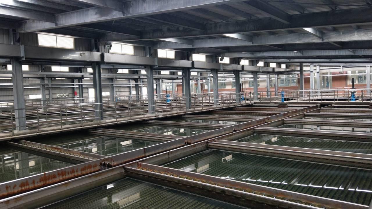 長興淨水場今年初完成池頂加蓋工程。記者楊正海/攝影
